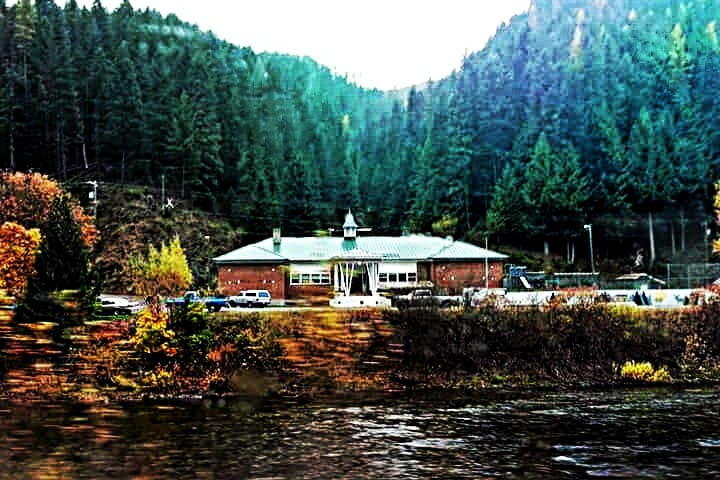 Avery Schoolhouse BnB - River Retreat - Avery