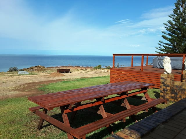 Wallaroo Beach House - The Dukes of Yorkes