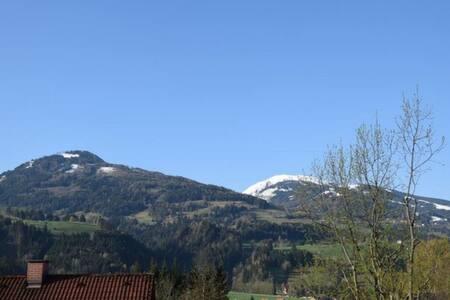 Ski und Wandern in der Schladming-Dachstein Region