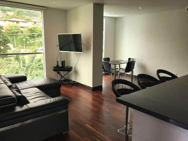 LIFE Apartment near El Poblado/Lleras - 2/2