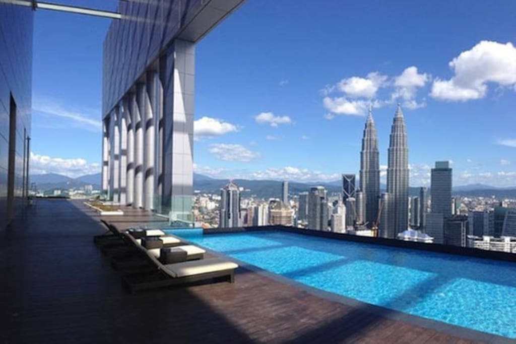 DayTime Rooftop Infinity pool KLCC view