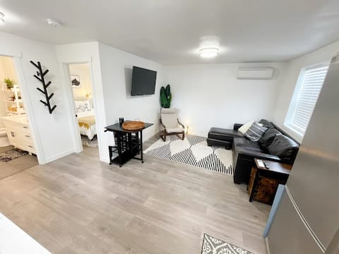 Newly Renovated West Tacoma Guest House