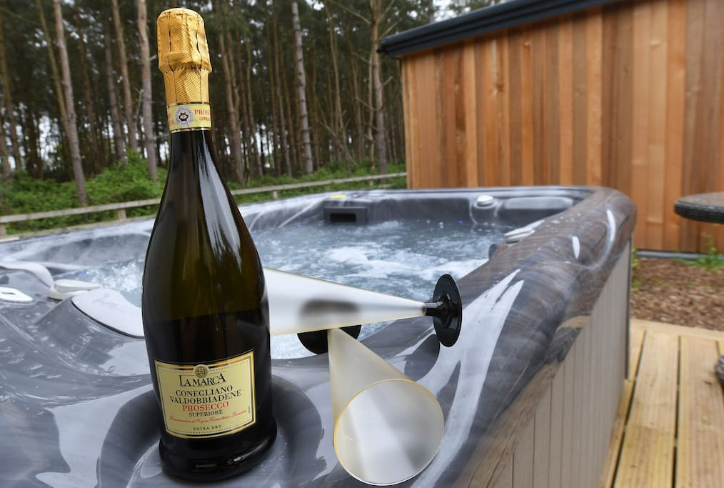 Hot tub and Prosecco