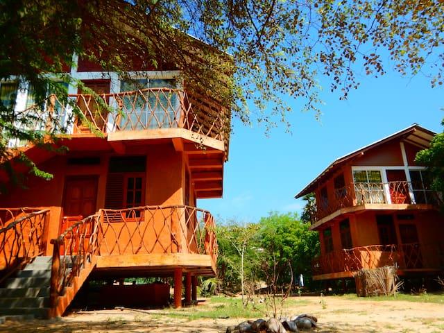 Sarada Beach Resort - Deluex Cabana & Yala Safari - Tissamaharama - Chalet