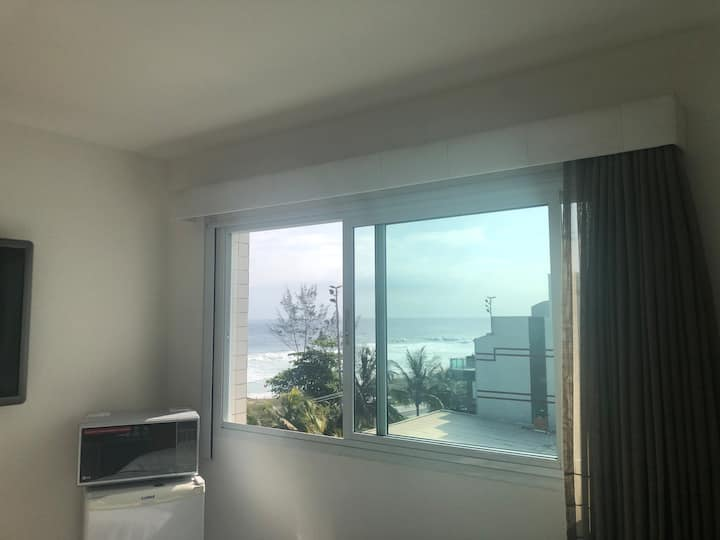 Suite bem equipada c/vista Mar/Praia da Barra