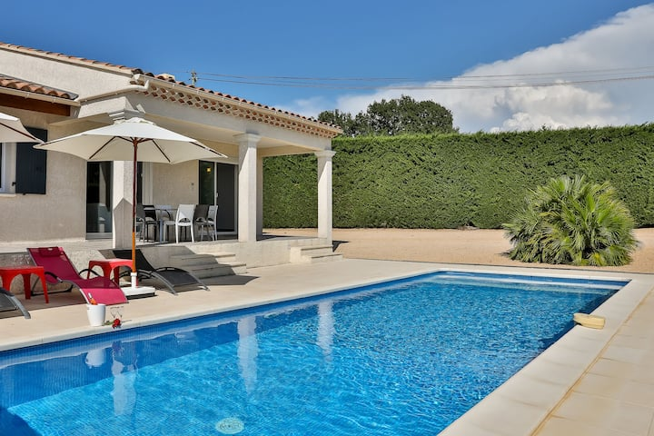 Lush Villa in Cairanne Provence with Private Pool