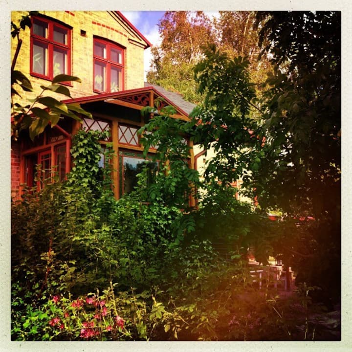 A room in an old house cent. Lund with a garden.