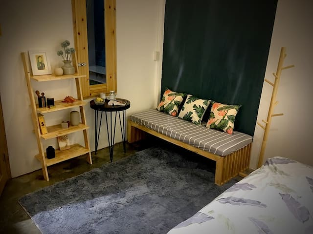 Stylish room with garden and pool (Bana-leaf room)