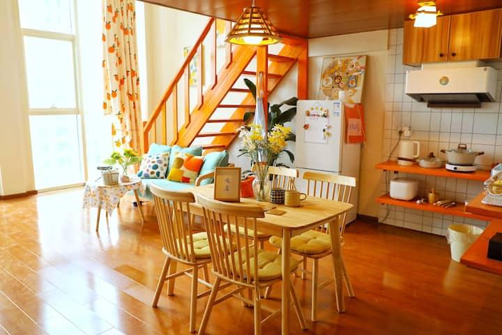 日式复式loft 双人床 家庭套房 温馨情侣房 影院房 万达广场/市民公园 可做饭