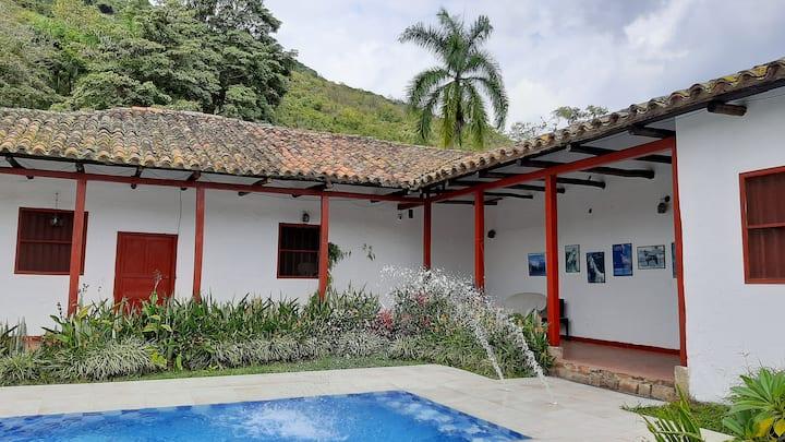 Historica Hacienda a una hora de Bogota