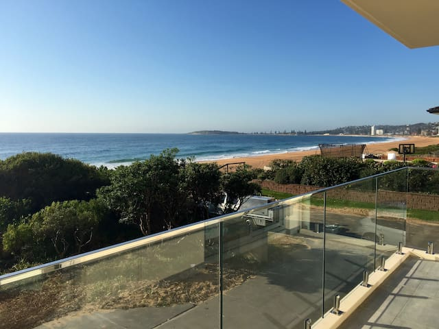 Narrabeen Beachfront Retreat - Narrabeen - Apartment