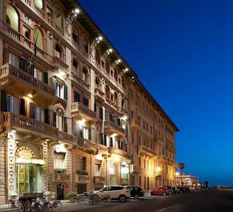 Apartment BILO at Esplanade Hotel - Viareggio - Bed & Breakfast