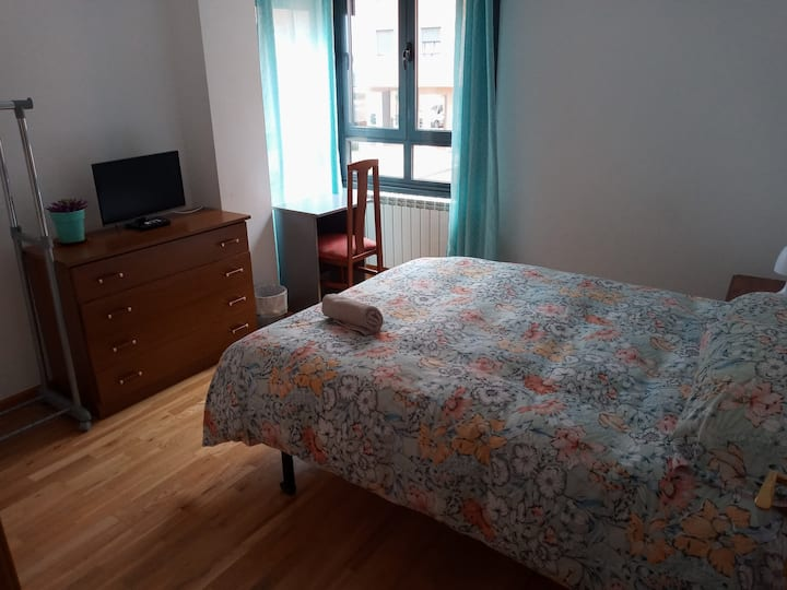 Habitación luminosa y tranquila en Zamora