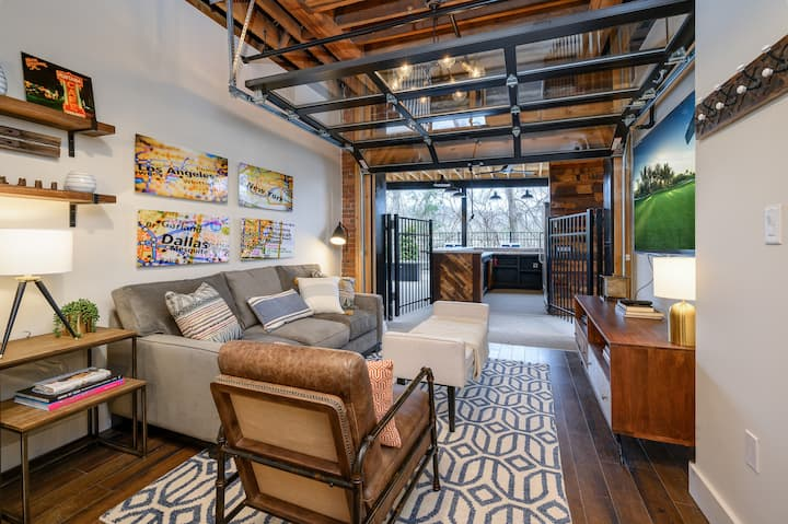 The 1865 | Hip & Historic w/ Patio | Near Downtown