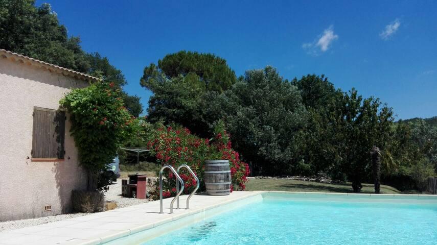 Rustig gelegen vakantievilla met verwarmd zwembad