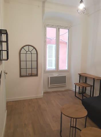 Studio Place du Marché- proximité Vieux Port