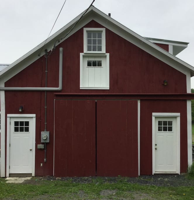 Large Studio Apartments: Lovely Studio Apartment In A 1790 Renovated Barn