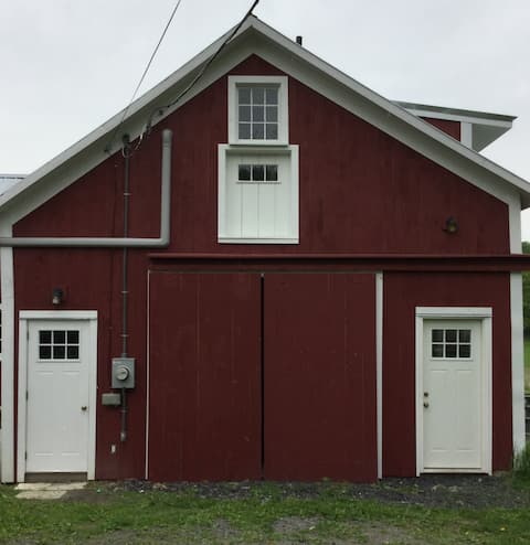 Lovely Studio Apartment in a 1790 Renovated Barn