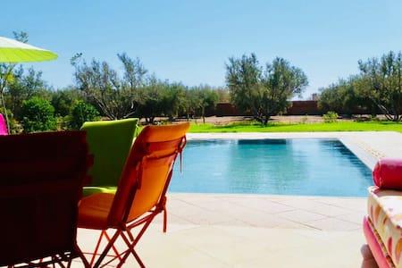 Villa avec grand jardin à Marrakech