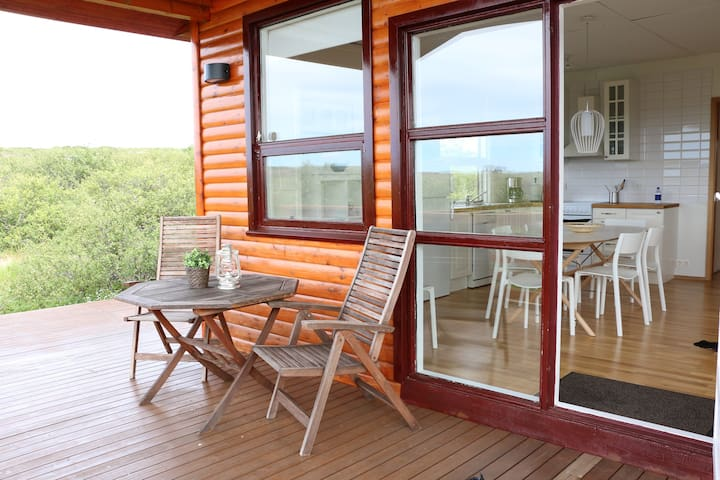 Private cottage, breathtaking surroundings. -  Borgarbyggð - Apartemen