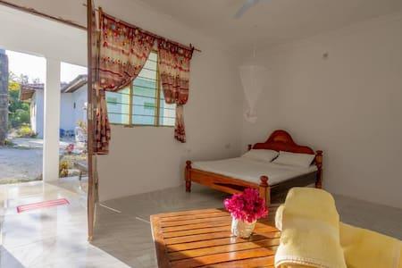 Relax house home stay kizimkazi Zanzibar