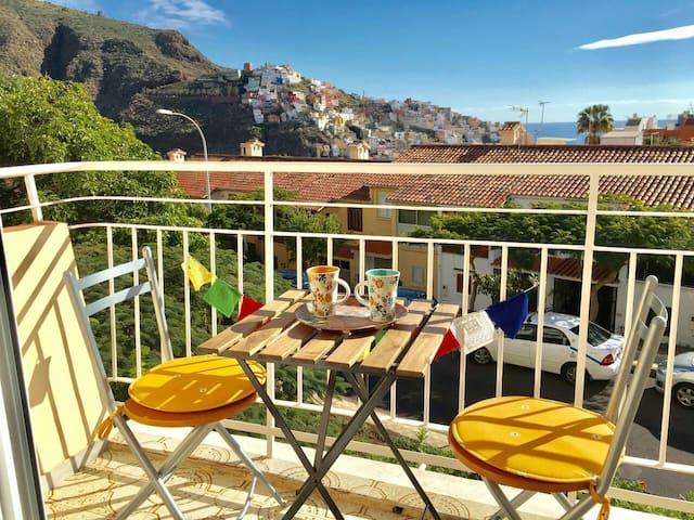 SUNNY view balcony VERY COZY ROMAMTIC, WIFI ehtnic - Santa Cruz de Tenerife - Appartement