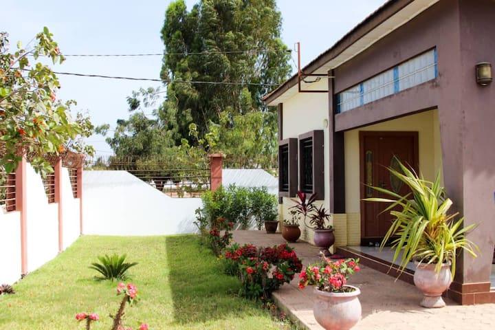 Holiday Home / 2 Bedrooms & 2 Bathrooms & Garden..