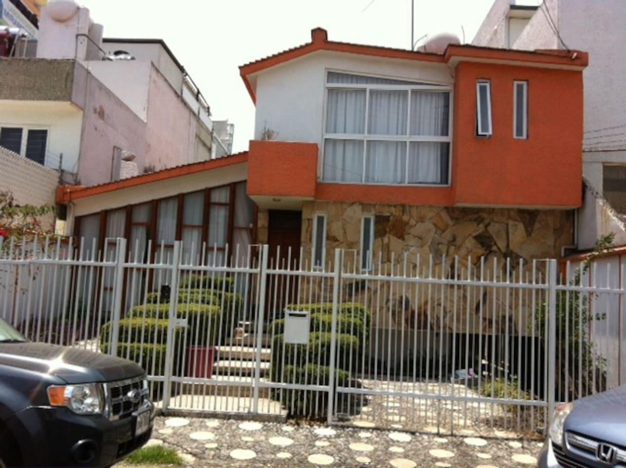 Casa y entrada