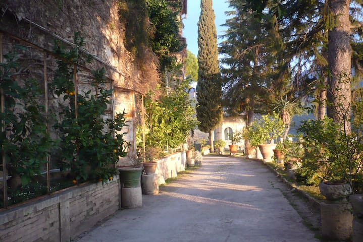 Residenza in antico borgo del 1600 - Roccantica - Linna