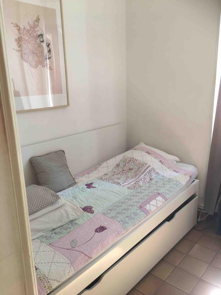 Petite chambre sympa près Vieux-port et Notre Dame