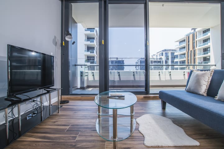 Lovely 2Bed2bath Apartment near westfield@Pagewood