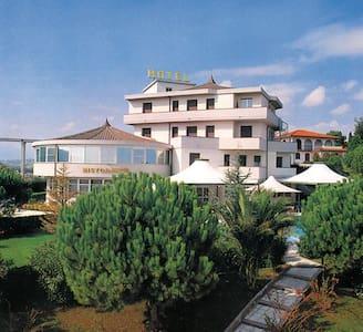 Villa dei Romanzi - Tortoreto - Bed & Breakfast