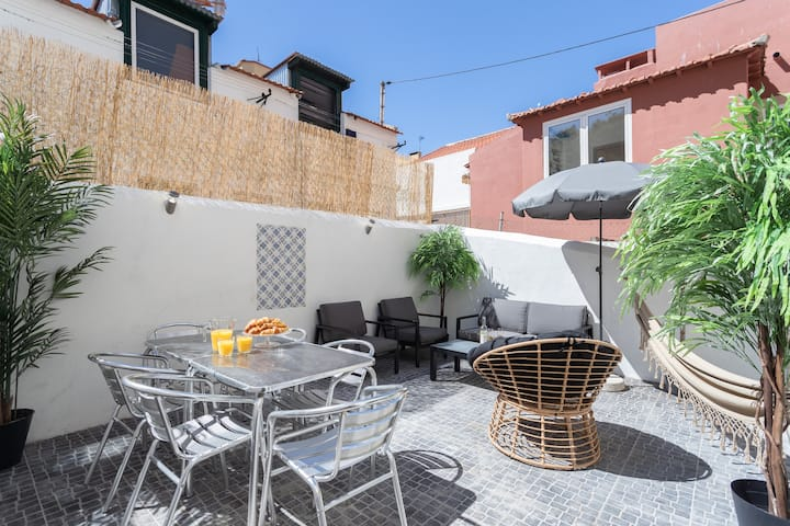 SBento Cozy 2 Patio 2BR - by LU Holidays