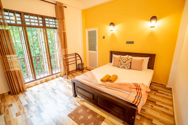 Tree Trail Villa -Double room/back greenery view