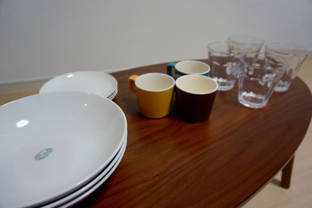 dish and glasses