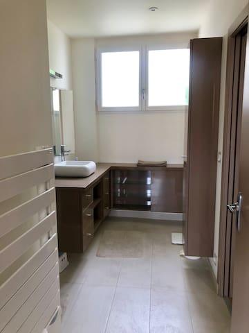 Salle d'eau douche à l'italienne (pas de baignoire)