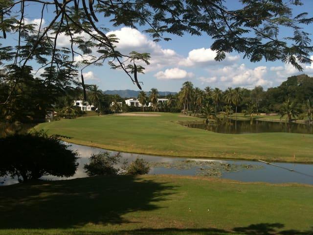 Condominio - Campo de Golf