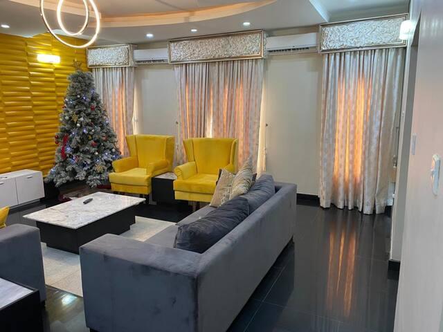 Luxury 5 Bedroom Terrace in Oniru
