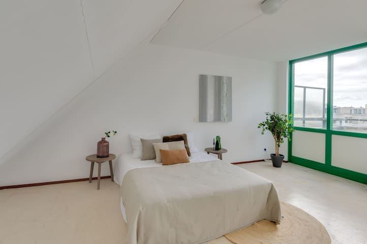 Double Room - large, lots of light, relaxing decor