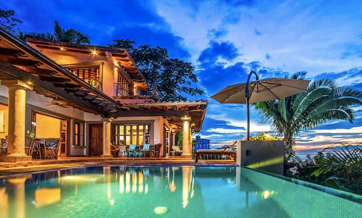 EXCLUSIVE AND LUXURY VILLA W/STAFF