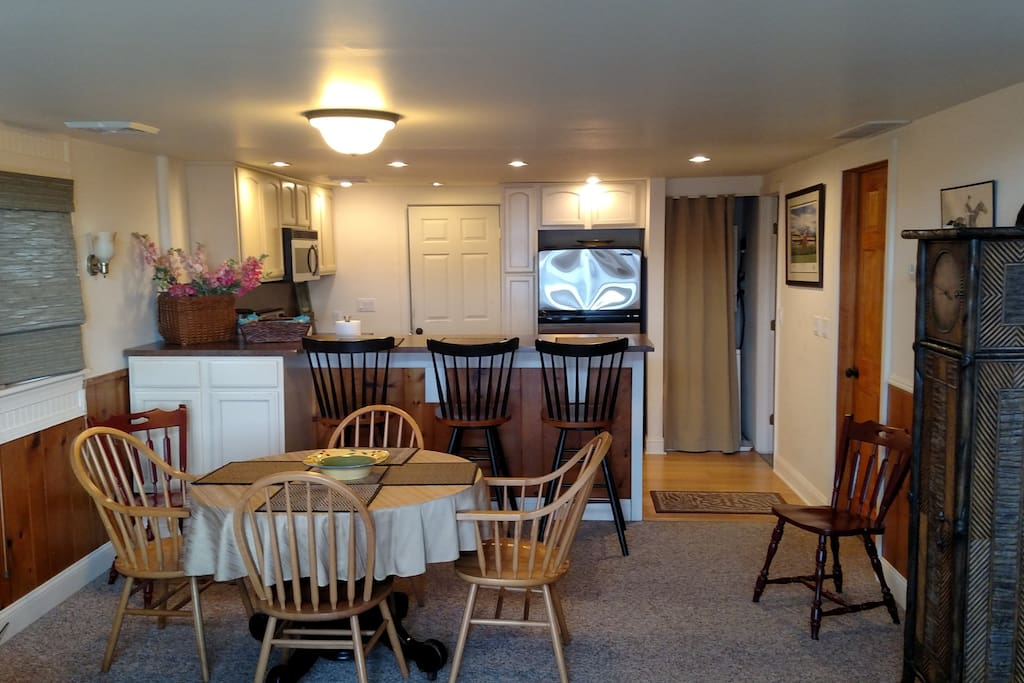 Open floor plan. Views of the lake throughout the living room, dining room and kitchen. Great for entertaining.