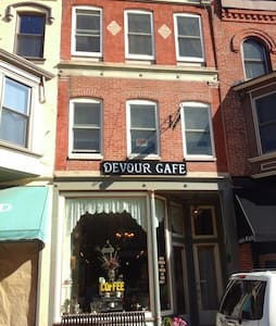 Devour Cafe BnB - Galena - Apartment