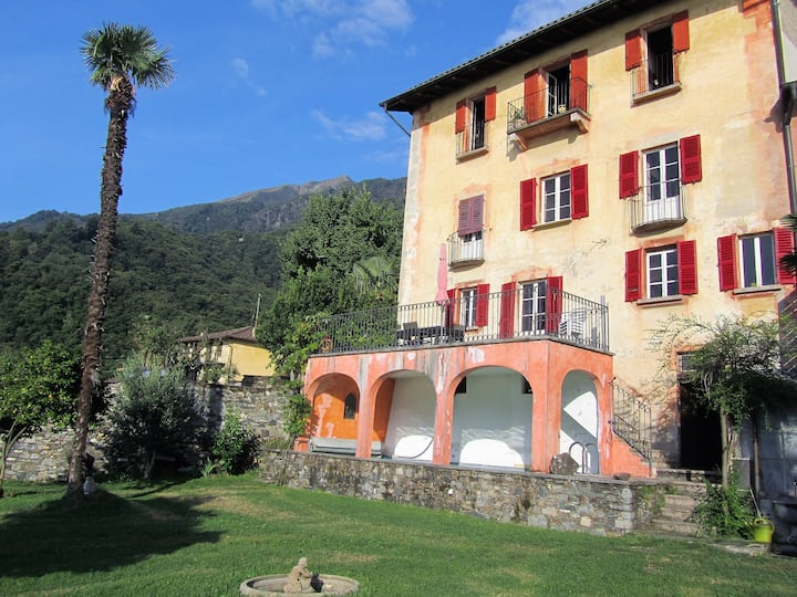 Rustic Tessin Villa with private Pool and Garden