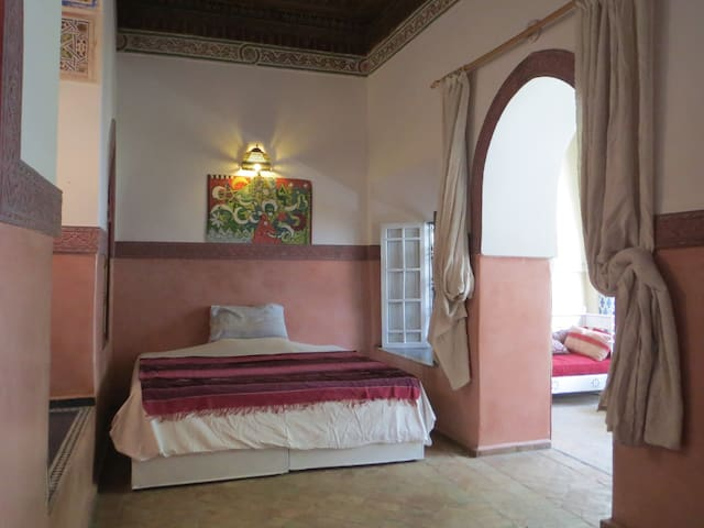 Riad Maizie Pink Room and Verandah