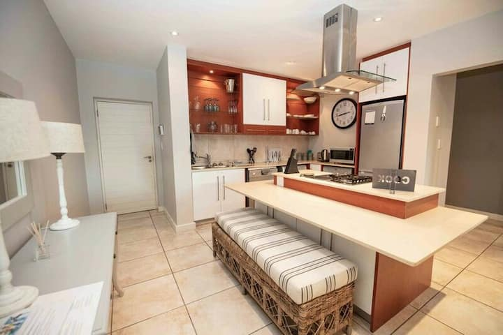 Beautiful, 3 Bedroom Apartment in Plettenberg Bay