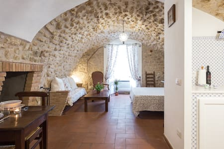Exclusive romantic loft in Narni - Narni