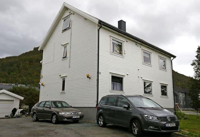 Spacious Studio Apartment in Tromsø, Tromsdalen