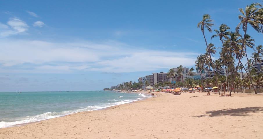 Quarto climatizado a 4 quadras da praia de Jatiúca - Maceió - Appartement