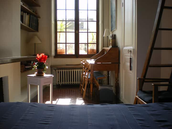 Chambre Bleue Notre Dame.