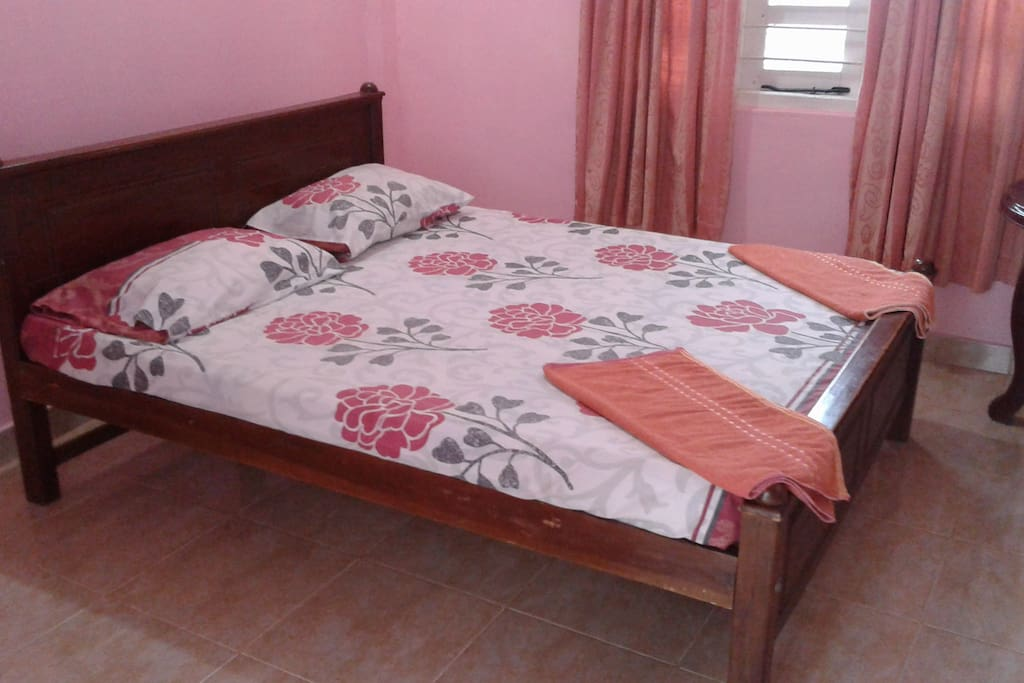 a double bed for single occupancy